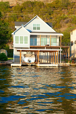 Waterfront home in Kingsland area on Lake LBJ