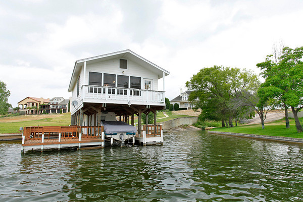 Lakeside cabin on Lake LBJ