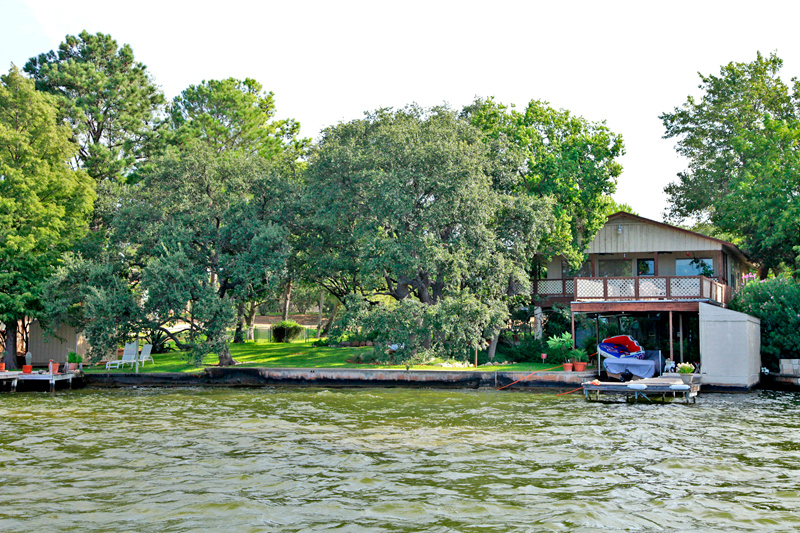 Great property on lake LBJ at 2814 Lakeview