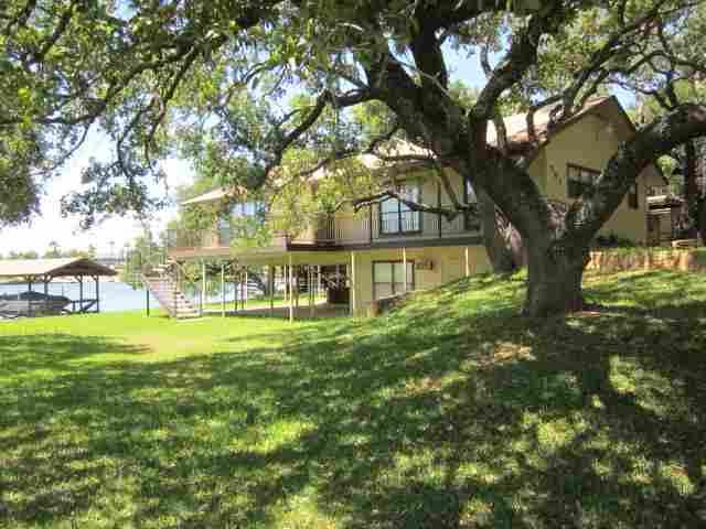 Lake LBJ real estate has trees