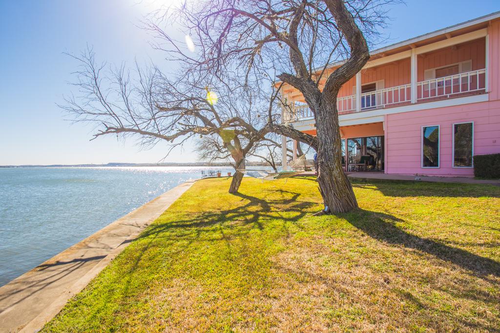 one of lake lbj s finest now for sale lake lbj real estate. Black Bedroom Furniture Sets. Home Design Ideas