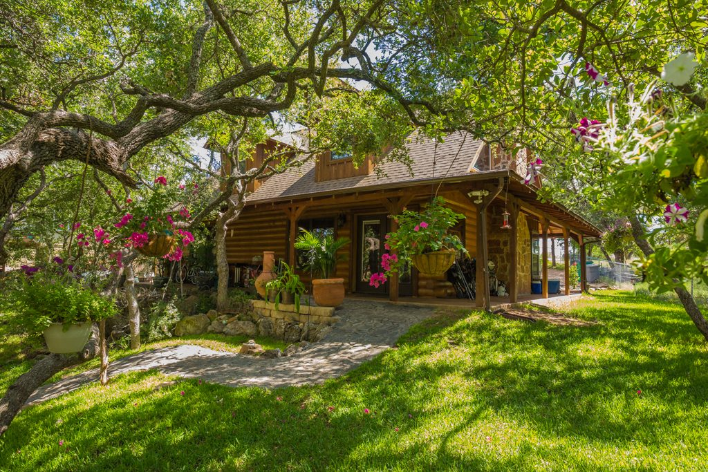 You Know Those Cool Settings You See In Magazines That Show The Dream Lake  House Hidden In The Trees? My Newest Listing On Lake LBJ In Sunrise Beach  Is One ...